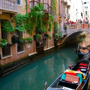 Venice gondola waterway