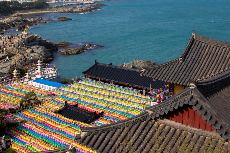 Haedong Yongungsa ocean temple Busan
