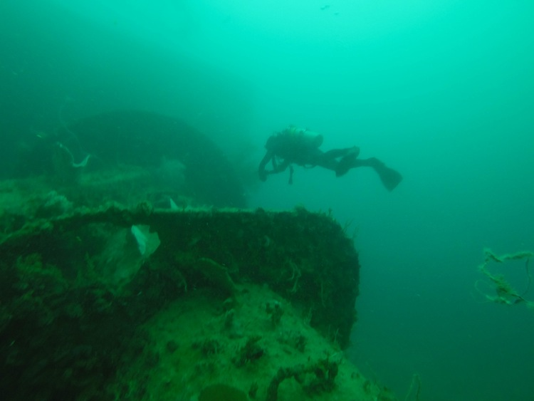 shipwreck diving in Coron